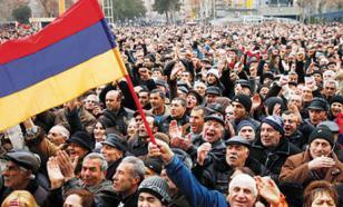 """Армянам нельзя привить антироссийские настроения, поэтому """"майдан"""" не случился - точка зрения"""