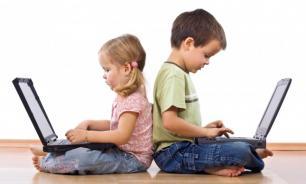 Роскомнадзор предостерег родителей от публикации фото своих детей в соцсетях