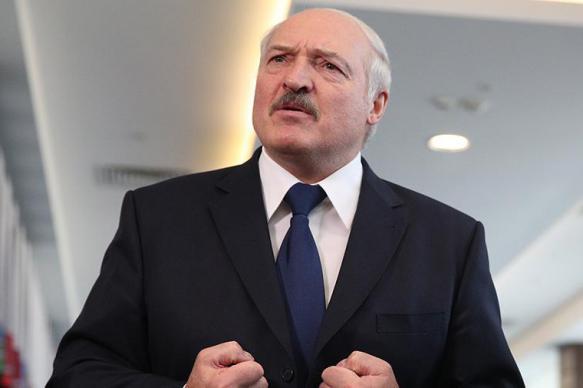 """Лукашенко на совещании рассказал про """"оборзевших в погонах"""""""