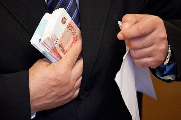 Сотрудника ФСБ из Петербурга задержали за получение взятки в 10 млн рублей