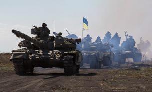 """Украина стягивает к границам ДНР """"Грады"""" и танки"""