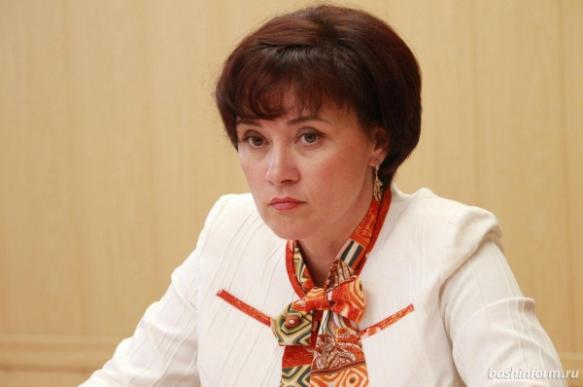 Министра образования поймали на позорных ошибках и плагиате