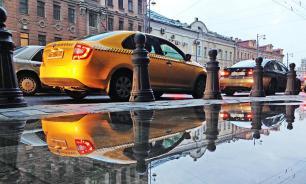 Таксист в Москве украл у клиента 55 тыс. рублей