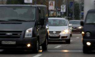 В Сергиевом Посаде священник, получив удар чебуреком, устроил погоню по центру города. Видео