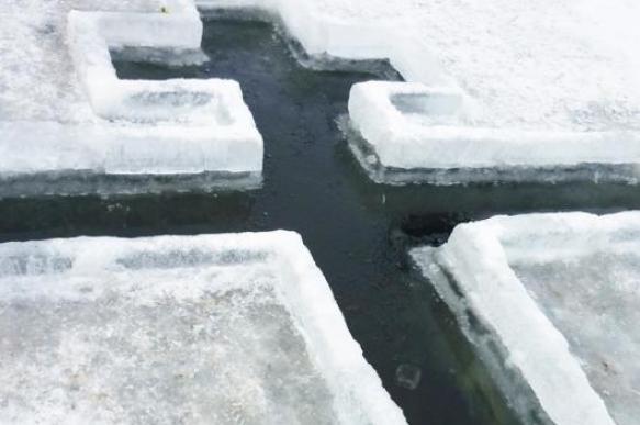 Нет льда — нет и проруби: крещенское купание под угрозой?