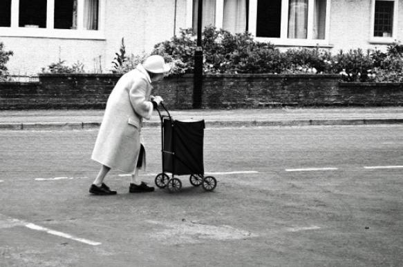 Почему женщины живут дольше: результаты исследования