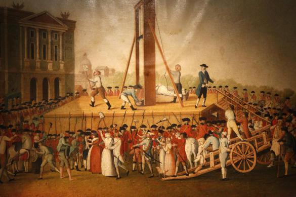 226 лет назад во Франции одобрили применение гильотины