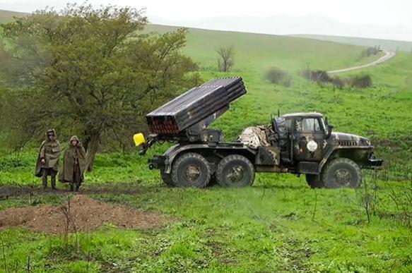 В Нагорном Карабахе прекращен огонь, стороны договариваются о перемирии