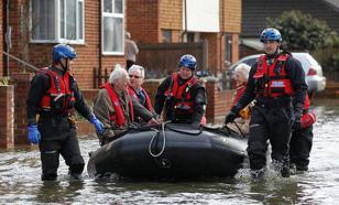 """Великобританию атаковал шторм """"Гертруда"""", обесточив тысячи домов"""