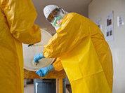 От Эболы спасет только скафандр