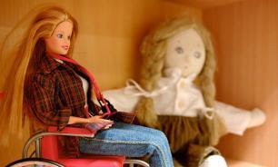 Кукла Барби с инвалидностью появится в США в июне