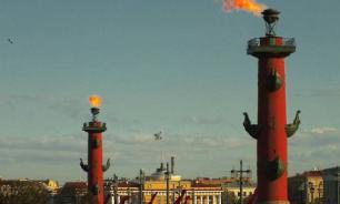 Питерские скульптуры у Ростральных колонн отреставрируют к концу лета