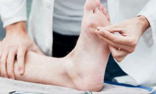 Основные симптомы периферической нейропатии - онемение и покалывание в руках или ногах