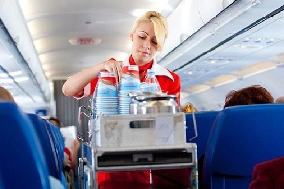 Российская стюардесса опровергла статью о сексе с пассажирами