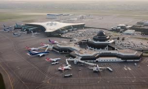 Российский самолет экстренно приземлился в Баку из-за записки в туалете