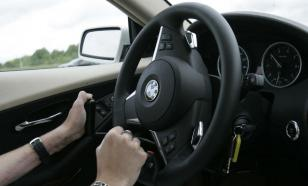 Эксперты назвали причины неприятных запахов в машине
