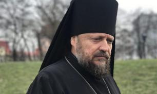 Украинского епископа высылали из страны под конвоем сотрудников СБУ
