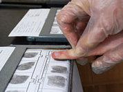 В наши паспорта вложат… пальчики