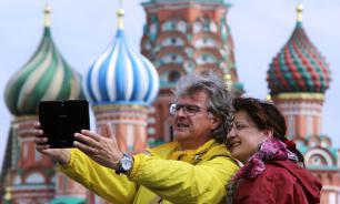 Туристический поток иностранцев в Россию продолжает расти