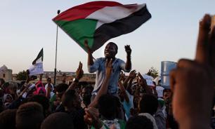 Премьер Судана в США попросит убрать страну из списка спонсоров террора