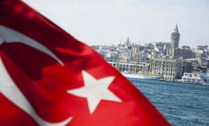 Турция отвернется от США, но не повернется к России