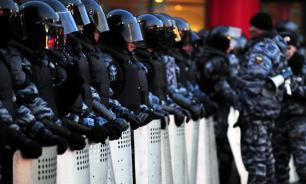 В России призвали запретить переброску силовиков из других регионов