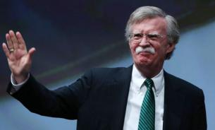 """Ястреб"" Болтон натравливает Трампа на Иран"