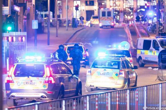 Семь человек пострадали в Лондоне в результате наезда авто на пешеходов