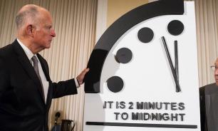 Стрелку на часах Судного дня оставили на отметке без двух минут полночь