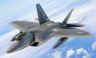"""СМИ объяснили, почему США """"похоронили"""" F-22"""