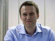 В Новосибирске Алексея Навального забросали яйцами