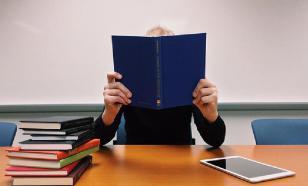 Мединский призвал читать книги, чтобы управлять любителями ТВ
