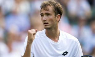 Циципас стыдит Медведева за скучный теннис. Он прав?