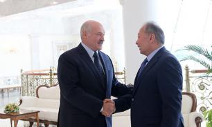 """Суздальцев: Лукашенко боится, что по поводу него Россия и Запад """"договорятся"""""""