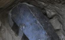 Стало известно, кто был похоронен в черном саркофаге