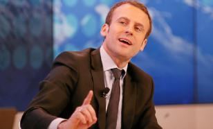 На параде в Париже толпа освистала Макрона и потребовала его отставки