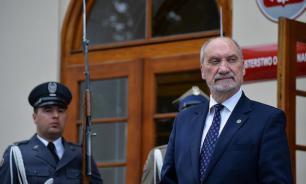 Министр обороны Польши подозревается в связях с Россией