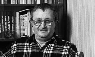 Власти Петербурга требуют справку о том, что Стругацкий был писателем