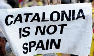 За независимость от Испании Каталонию угрожают лишить евро и футбола