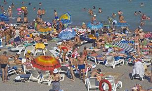 На черноморских курортах отменено купание из-за аномально холодной воды