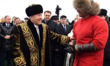 """Нерусский мир: Казахстан меняет """"большого брата"""""""