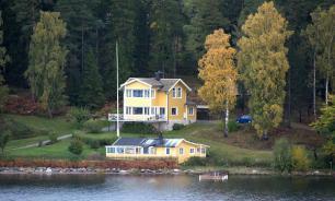 Загородный дом у воды: плюсы и минусы
