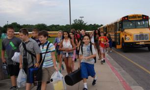 Родителям школьников в США запретили появляться на территории школы в неподобающем виде