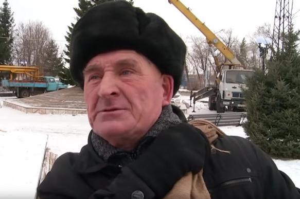"""""""Дед с елочкой"""" захотел стать мэром Бийска"""
