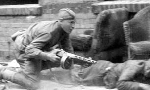 Советского солдата гнобят, потому что боятся