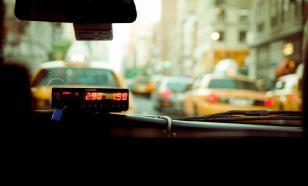 Таксист-мигрант пытался изнасиловать москвичку прямо в машине