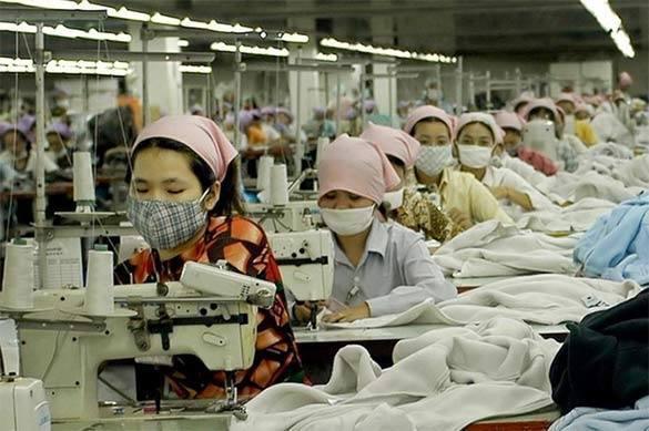 Ставка на синтетику: Тяжелая судьба легкой промышленности