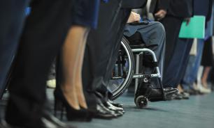 В Госдуме предложили штрафовать за отказ пустить в кафе инвалида