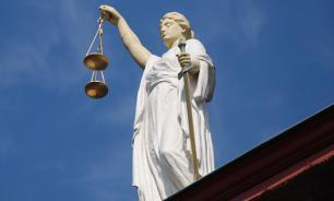 Французский суд признал 11-летнюю девочку соблазнительницей