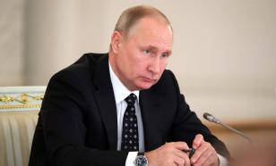 Путин рассказал, почему не уезжает на праздники из России
